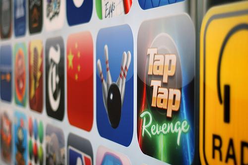 iPhoneの自動継続の月額課金がサービス系のアプリでも使えるようになったか