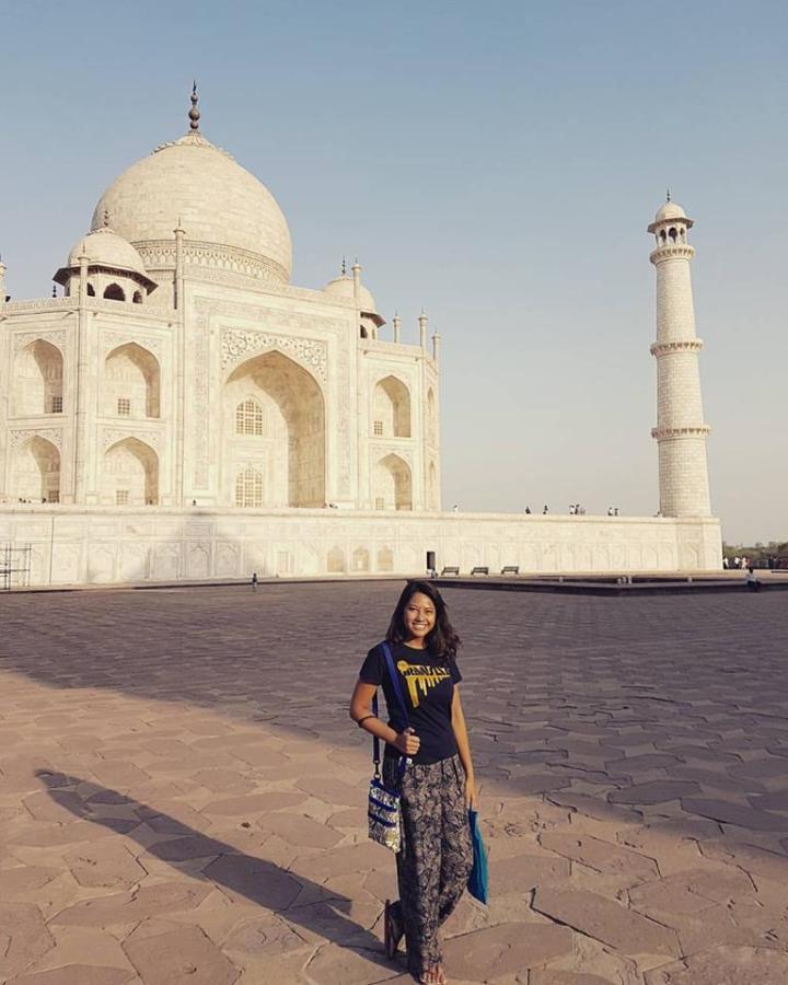 Solo in Taj Mahal