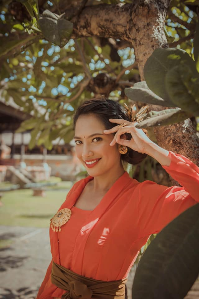 Balinese traditional costume photoshoot
