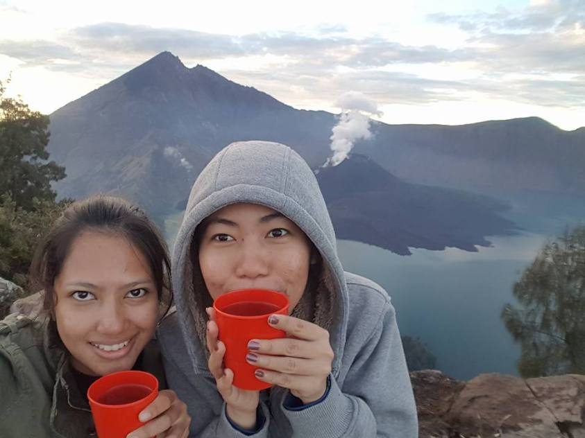 Having hot tea on Mount Rinjani