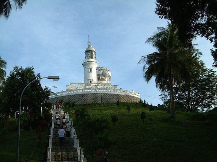 Hiking Bukit Batu Putih Tanjung Tuan