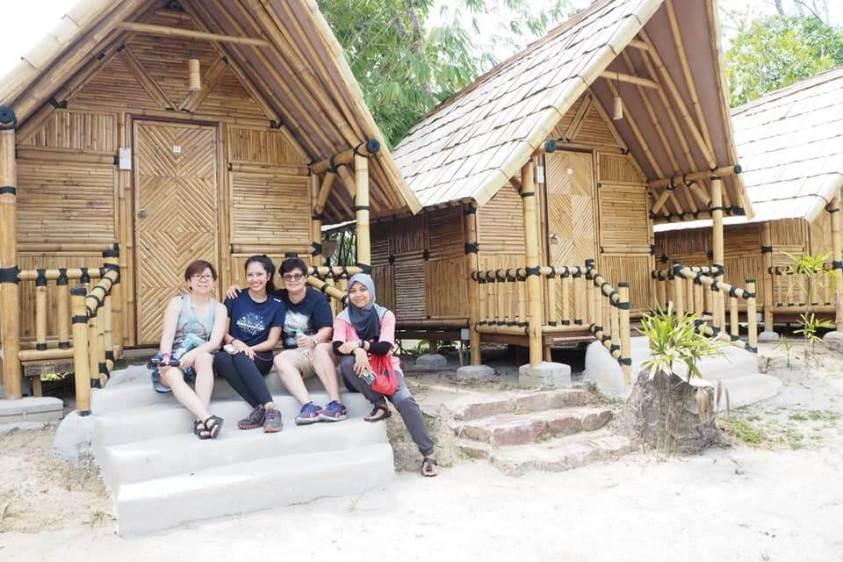 Lakeside Mini Chalet Tadom Hill Resorts