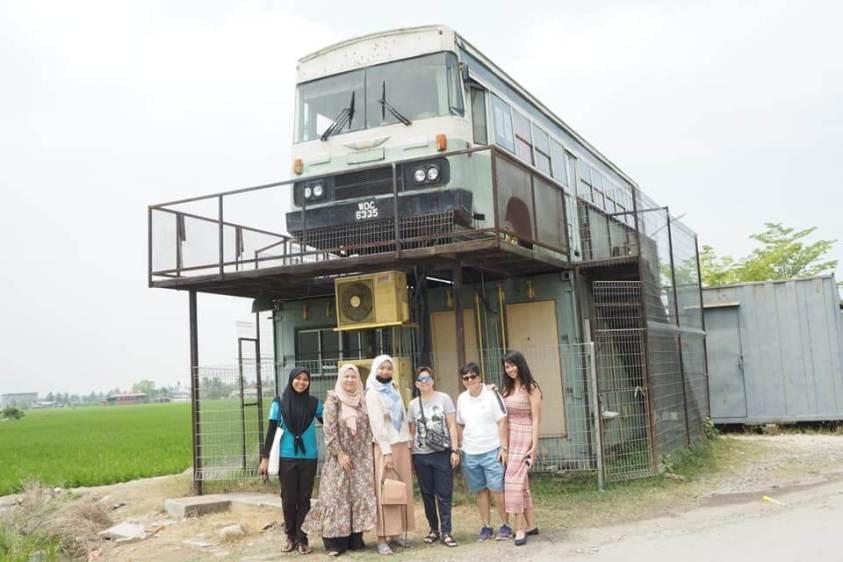 N16 Bus Cafe