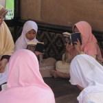 Membaca Al-Qur'an Secara Berjamaah