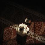 Membaca Al-Qur'an dengan Suara Kuat