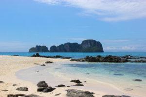 https://i1.wp.com/umoonproductions.com/wp-content/uploads/2019/05/phuket-beach-island.jpg?resize=300%2C200
