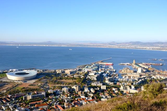 A Baía do Cabo - Uma das poucas áreas de atracação na costa africana.