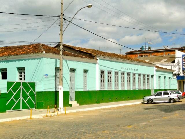 Colégio Luzia Silva, a antiga sede da fazenda Toca da Onça.