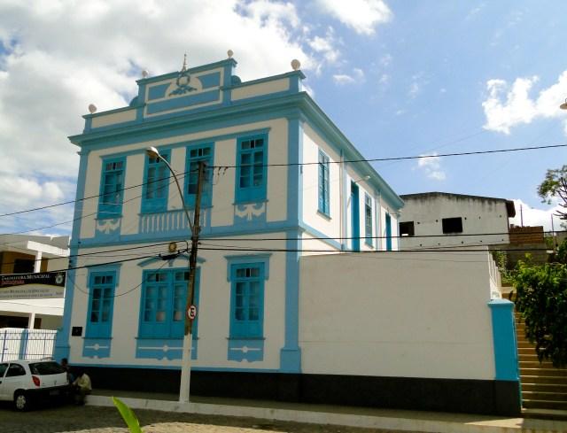 O bonito prédio da Prefeitura Municipal de Jaguaquara.