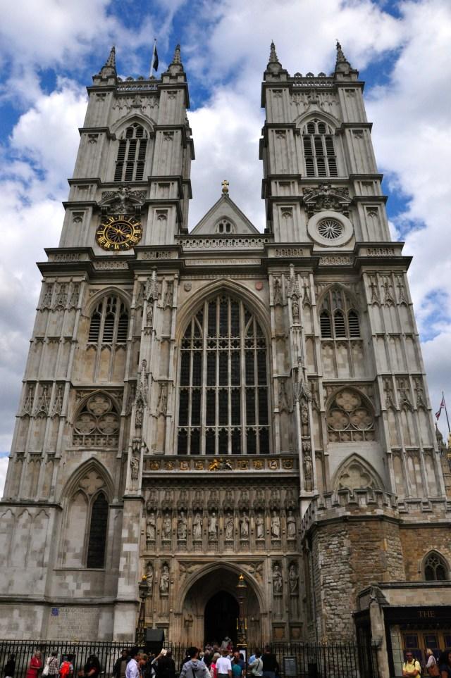 A fachada da Abadia de Westminster.