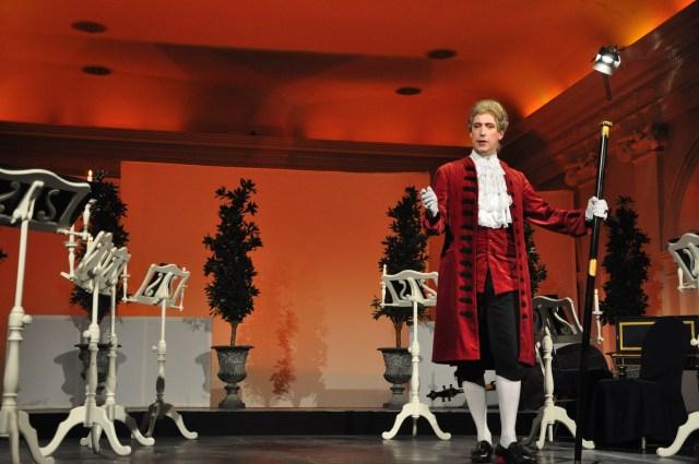 """A Ópera no palácio - Um """"show folclórico""""."""