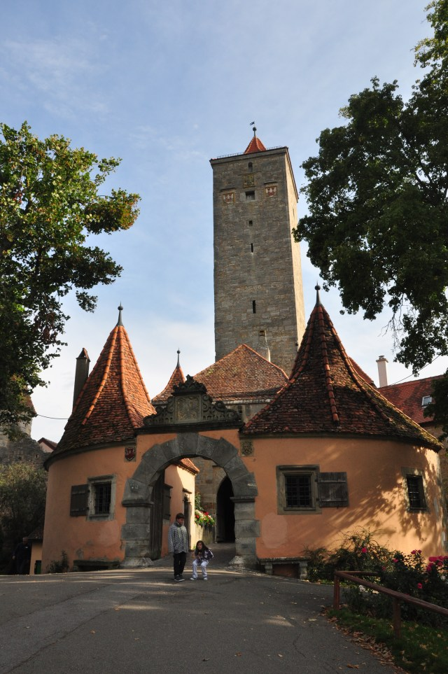 O Portão Burgtor, uma das entradas de Rotemburgo