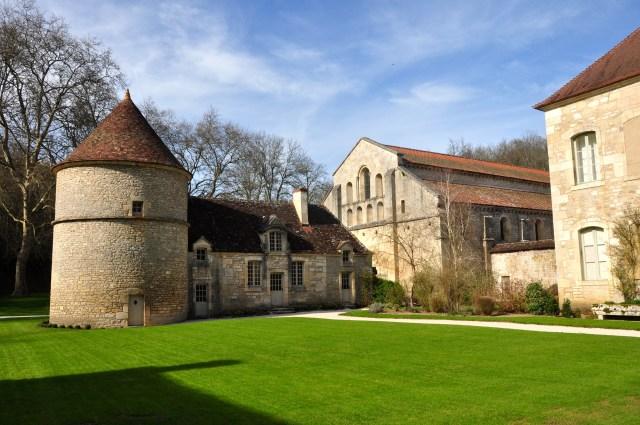Detalhe da área externa da Abadia de Fontenay