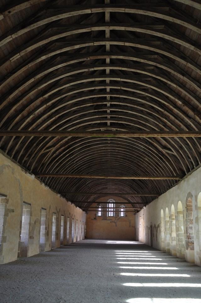 O dormitório simples dos Cistercienses