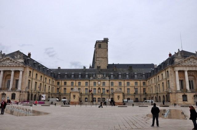 O Palácio dos Duques de Dijon.