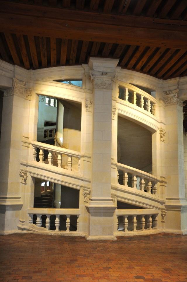 A escadaria em dupla-hélice atribuída a Leonardo da Vinci