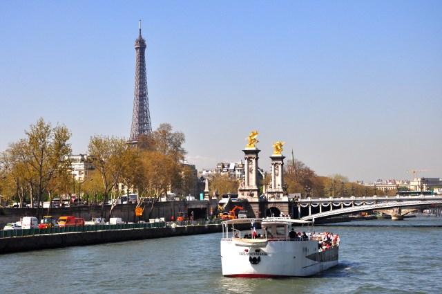 A imagem da Torre Eiffel na Rive Gauche.
