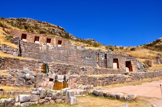 O sítio arqueológico Tambomachay em homenagem à Deusa Água