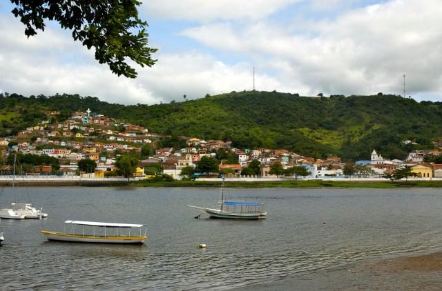 A cidade de São Félix vista de Cachoeira.