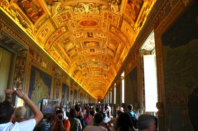 Salão do Museu do Vaticano.