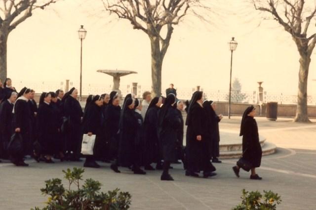 A cidade de Assis tem um forte turismo religioso.