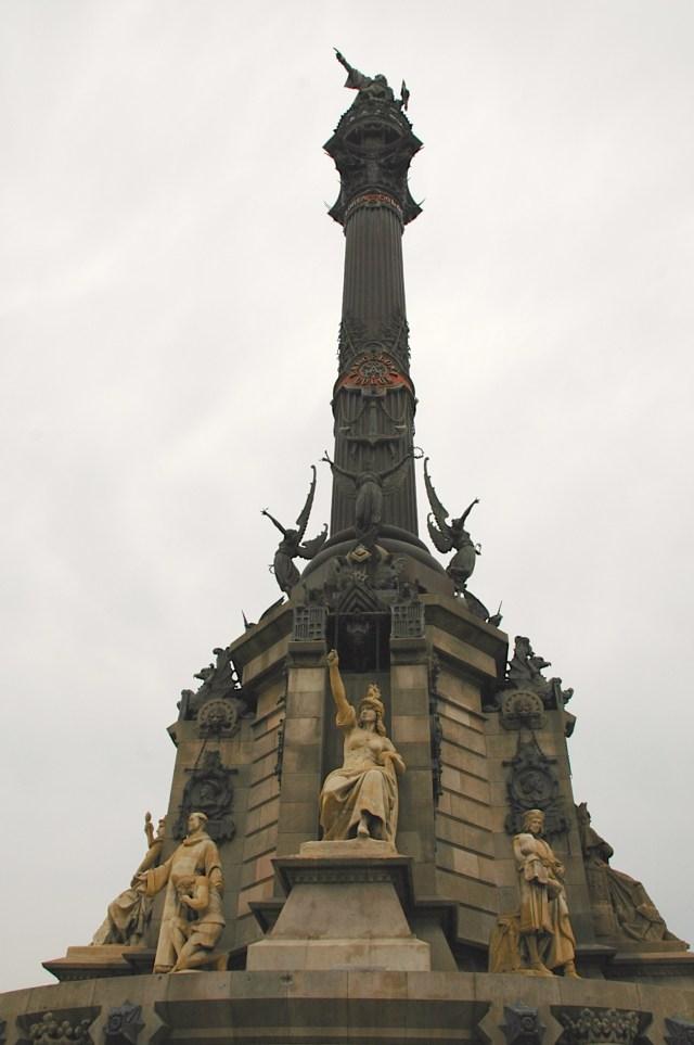 O monumento dedicado a Cristóvão Colombo