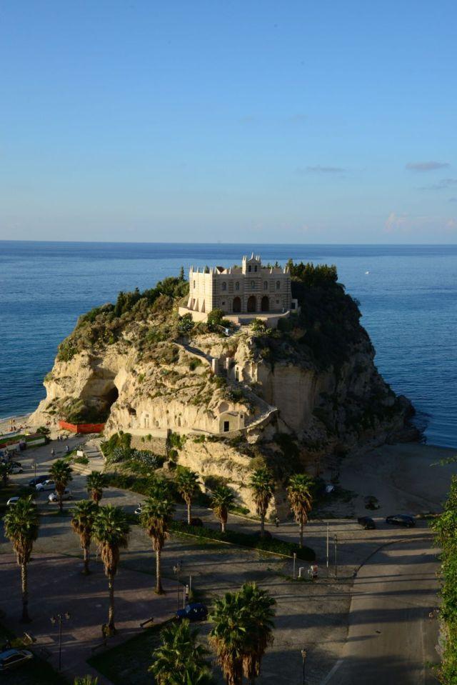 O entardecer na costa da Calábria.