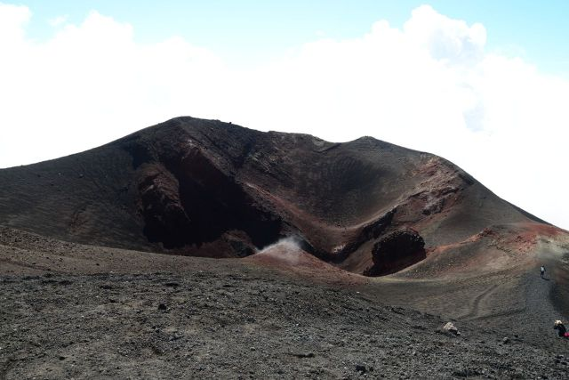 Uma das crateras do Etna.