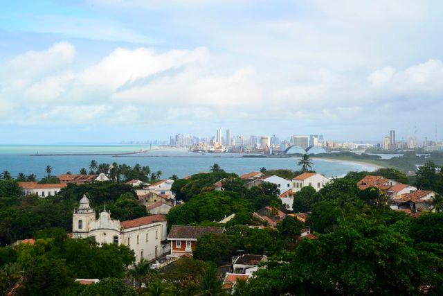 A melhor vista fica atrás da Catedral da Sé.