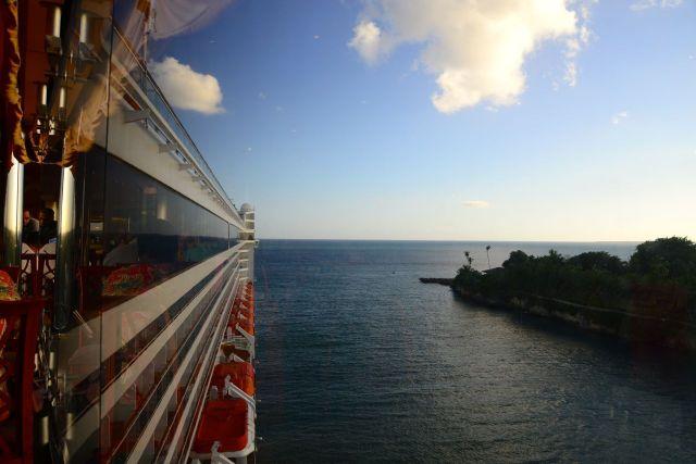 O MSC Música no porto de La Romana