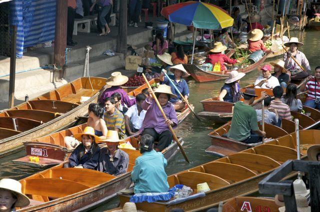 O Mercado Flutuante Damnoen Saduak