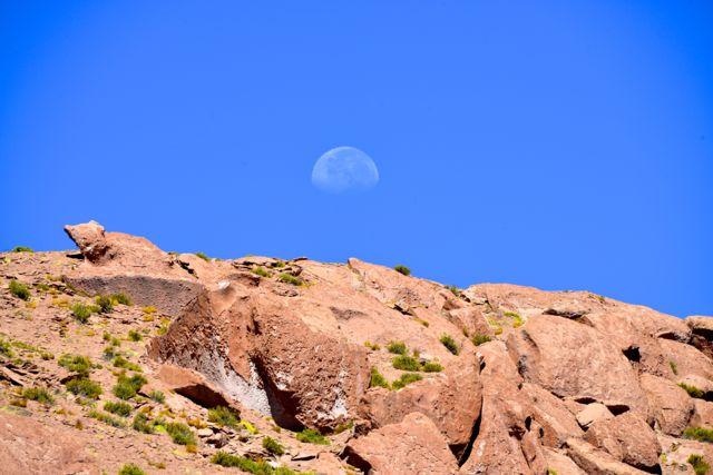A melhor imagem do céu do Atacama foi a lua vista durante o dia.