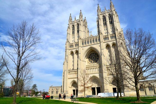 A Catedral de São Pedro e São Paulo em Washington DC