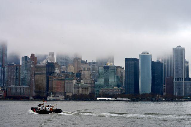 O dia estava nublado e chuvoso, mas a vista de Nova York se mantém forte.