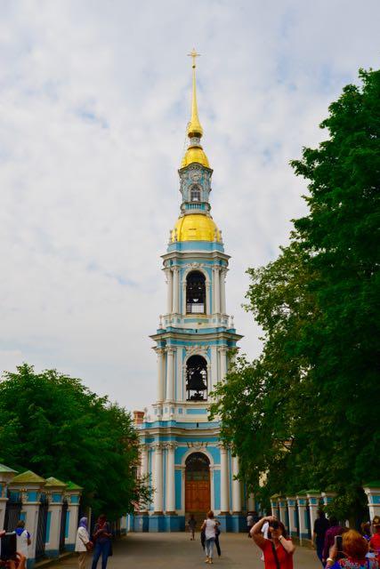 O Campanário ao lado da Catedral de São Nicolau