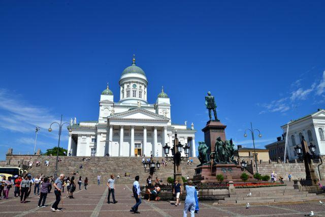 A estátua do Czar Russo Nicolau Ii, mostra a forte ligação histórica da Finlândia com a Rússia imperialista.