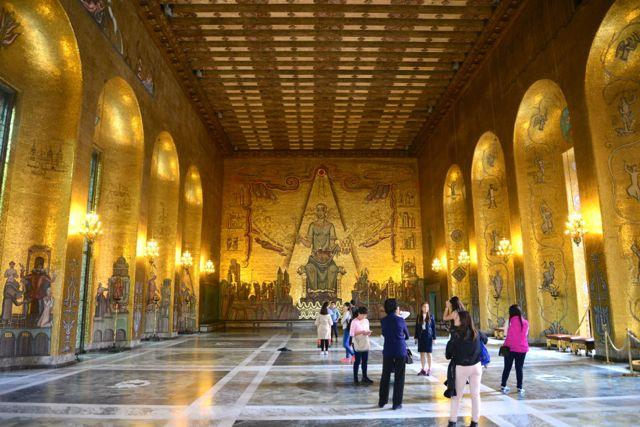 A Sala Dourada e os seus belos mosaicos.