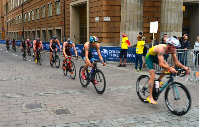 Prova de Triathlon pelo centro histórico de Estocolmo.