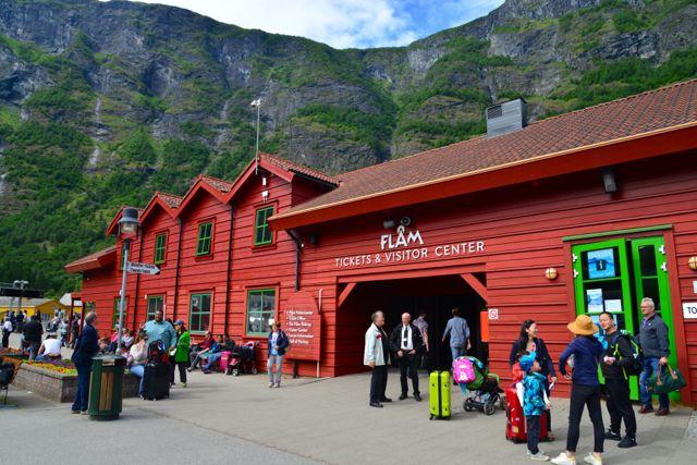A estação ferroviária de onde parte o Trem de Flam.