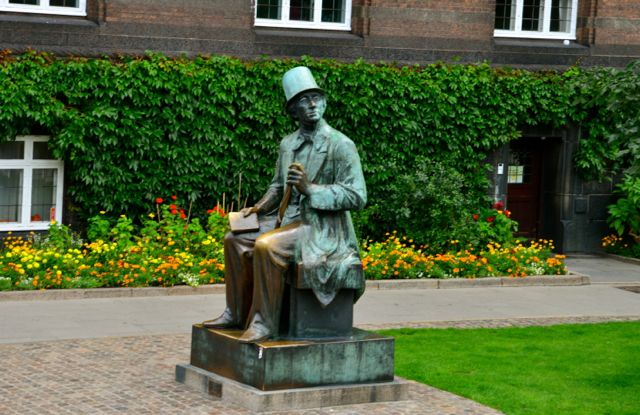 Estátua de Hans Christien Andersen