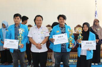 Pemenang LKTI UMRAH 2018 Sub Tema Pengembangan Sumberdaya Kelautan di Kawasan Pesisir dan Pulau-pulau Kecil (F-Rendi/Humas)