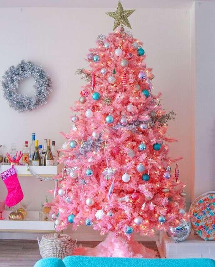 Juletre i rosa toner
