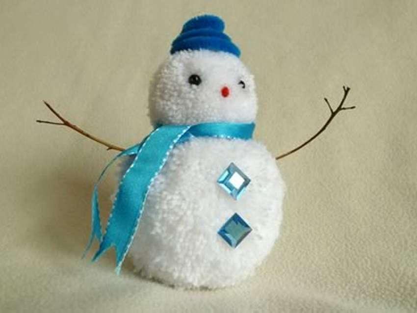 как сделать снеговика из помпонов