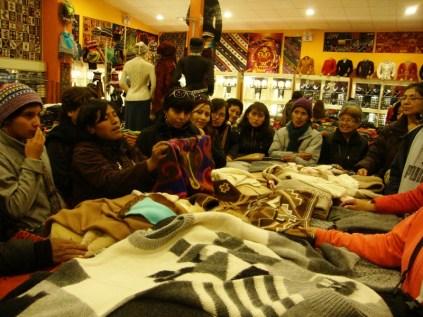 Reconhecendo lã de alpaca verdadeira - Cusco