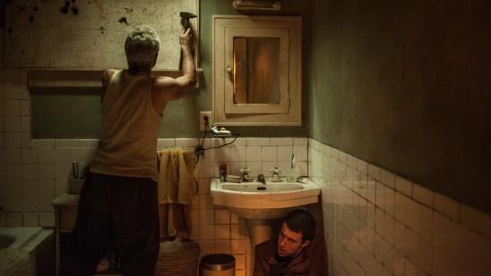 O Homem nas Trevas | Imagens