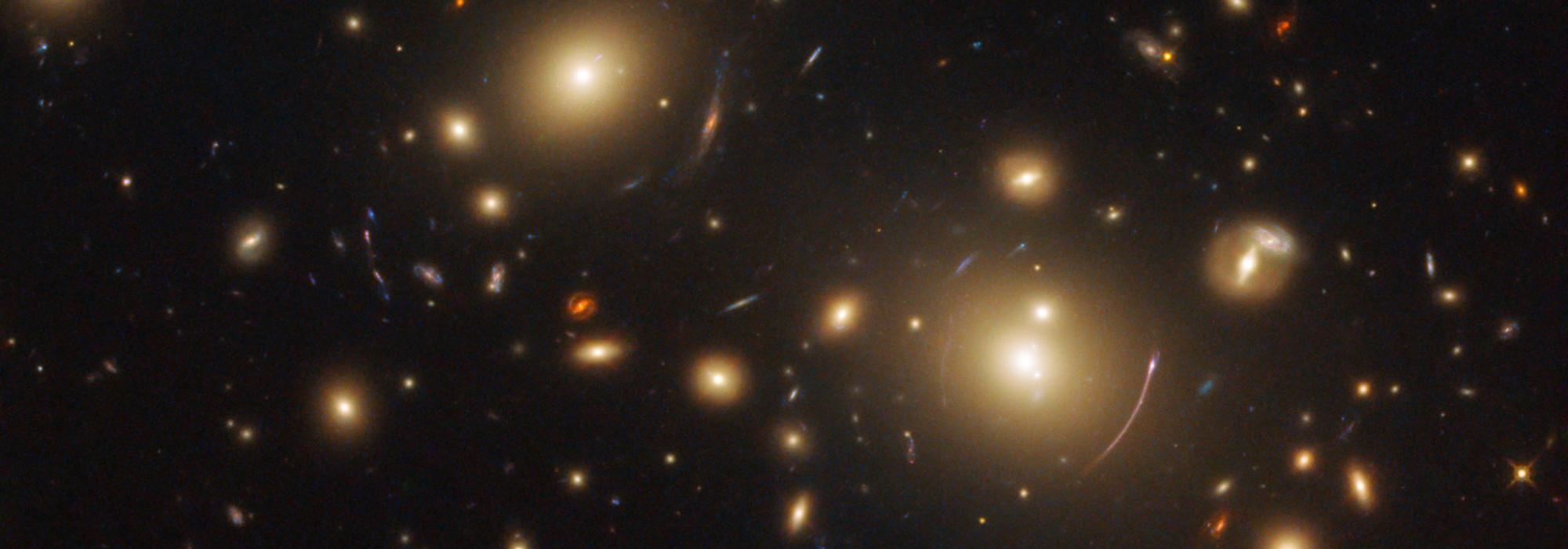 Evrenin genişlemesini kim keşfetti?