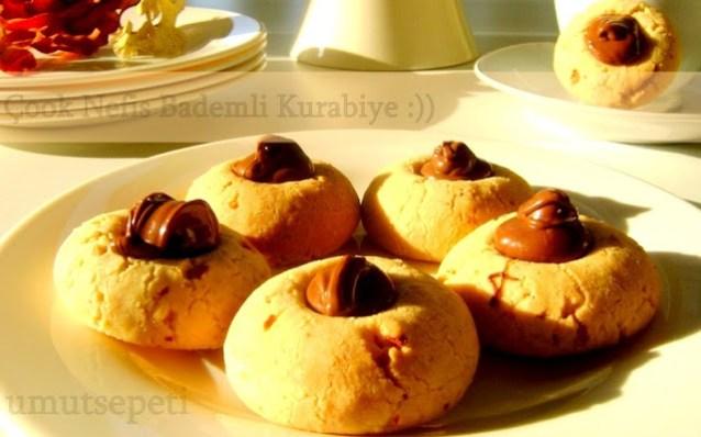 Şahane Bademli Kurabiye 4-4'lük Mimle :)