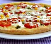 Mozzarella Peynirli Kolay Pizza