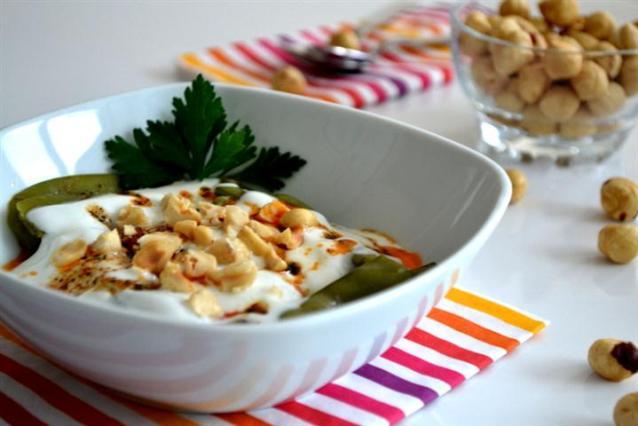 Yoğurtlu  Taze  Bezelye  Salatası