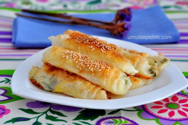 Sulu  Çıtır  Börek  Tarifi